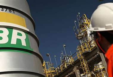 La compañía brasileña y Repsol aplican medidas de bioseguridad para evitar el contagio