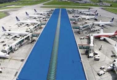 La mayoría de las aerolíneas redujeron a cero sus operaciones