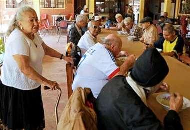 Los adultos mayores son los más vulnerables