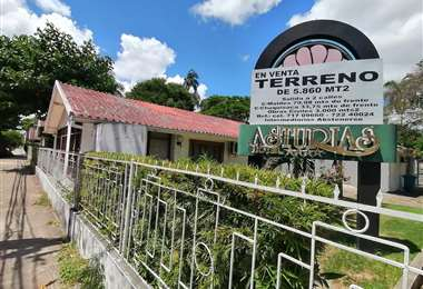 El hotel Asturias fue mencionado por Urenda como uno de los podría recibir pacientes. Foto: Hernán Virgo