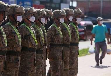 Las Fuerzas Armadas y la Policía controlan el cumplimiento de las medidas asumidas por el gobierno
