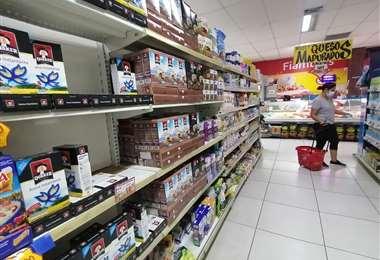 Varios supers tuvieron problemas para abastecerse de productos /FOTO: HERNÁN VIRGO