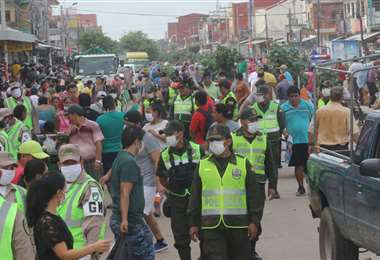 Los policías que ejercen controles en las calles