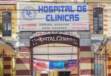 Frontis del hospital de Clínicas