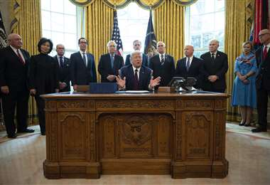 El presidente estadounidense promulgando por la crisis del coronavirus. Foto AFP