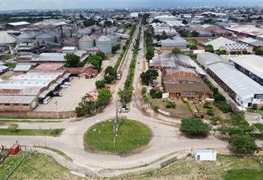 El Parque Industrial de Santa Cruz lucía vacío la tarde de hoy viernes debido a la cuarentena total/Foto: Fuad Landívar