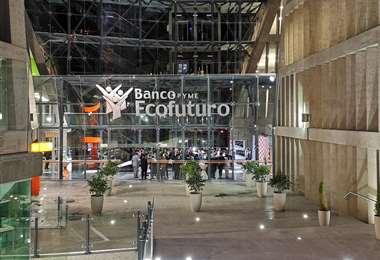 El banco acata la disposiciones del Gobierno central