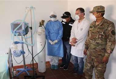 Autoridades inauguran sala de aislamiento en el hospital municipal de San Ignacio de Velasco. Fotos: Gobierno municipal de San Ignacio.