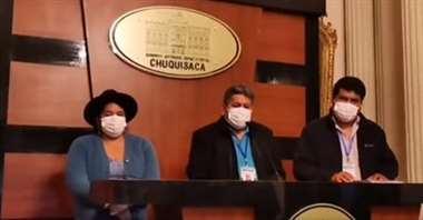 Las autoridades departamentales dieron detalles del primer caso de coronavirus. Foto: Correo del Sur