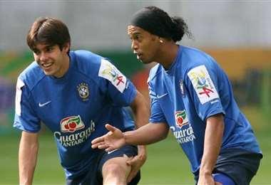 Kaká y Ronaldinho fueron campeones del mundo en Corea Japón 2002. Foto: Internet