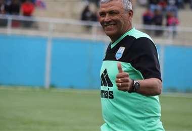 Lo que hace Néstor Clausen es insólito. Sucedió el sábado en el torneo peruano. Foto: Internet