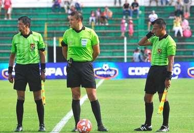 Los árbitros y asistentes son evaluados de forma virtual. Foto: Internet