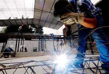 Los sectores como el de la construcción y servicios son de los más afectados en el tema laboral, así como las mipymes, según Cainco. Foto: Ricardo Montero