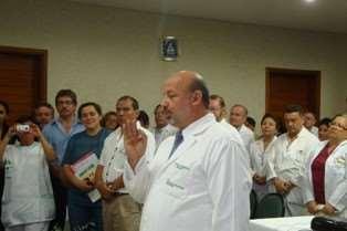 Víctor Hugo Zambrana, director del hospital Japonés, presentó renuncia al cargo. Foto: Archivo