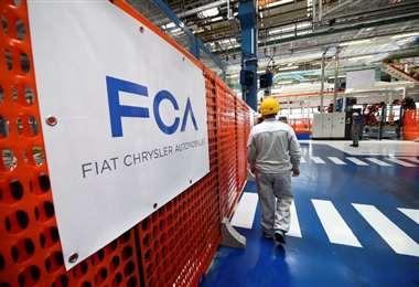 Fiat Chrysler recortará pagos a ejecutivos y empleados asalariados por el brote coronavirus