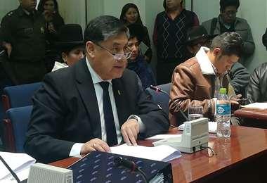 El fiscal ante la comisión de Diputados I Foto: Marco Chuquimia.
