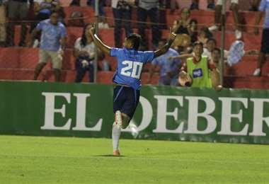 Edward Vaca, anotó el gol del empate de Blooming ante Guabirá. Foto. Fuad Landívar