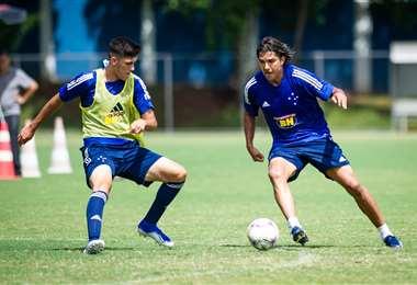 Martins (d) buscará su primer gol este sábado en el torneo mineiro. Foto: Globoesporte
