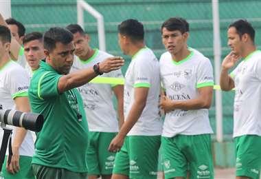 La selección comienza a trabajar el jueves en Santa Cruz al mando del venezolano César Farías . Foto. Archivo DIEZ