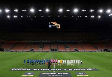 En Europa el coronavirus está castigando al fútbol. En algunos países como Italia y Francia ya se juega sin público. Foto. Internet