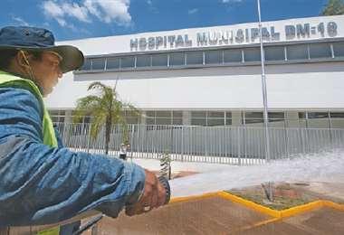 Ayer ultimaban detalles para su inauguración. Es parte de una red de cinco hospitales para especialidades. Foto: Jorge Ibáñez
