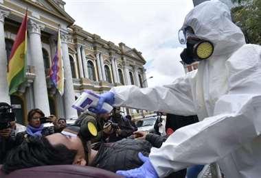 Al igual que en el resto del mundo, el escenario que atraviesa Bolivia es desalentador. Las autoridades piden acatar las medidas para evitar la expansión del virus