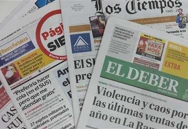 Pese a que los diarios del país suspendieron su circulación por la cuarentena, continúan informando en sus plataformas digitales.