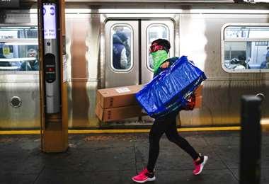 Nueva York se cubre el rostro para protegerse contra el coronavirus