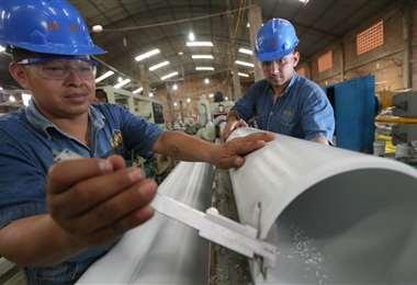 Los empresarios ven que las medidas aun son insuficientes para salvar al empleo/Foto Fuad Landívar