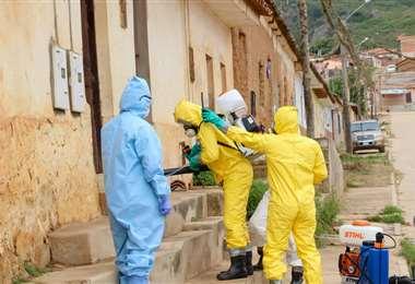 Los trabajos de desinfección que se realizan en Vallegrande