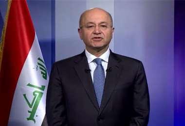 Primer ministro iraquí renuncia y lo reemplaza el jefe de la inteligencia