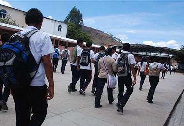 La medida también abarca a estudiantes de colegios de convenio y de secundaria comunitaria productivaio