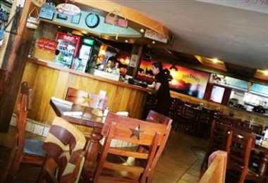 Los restaurantes tuvieron que cerrar ante la emergencia sanitaria que vive el país
