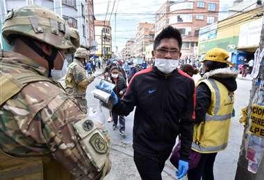 Controles sanitarios en La Paz / Foto: APG
