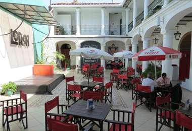 Café Lorca, propiedad de Ubaldo Nállar, es un espacio cultural, boliche y recientemente se convirtió en museo del singani