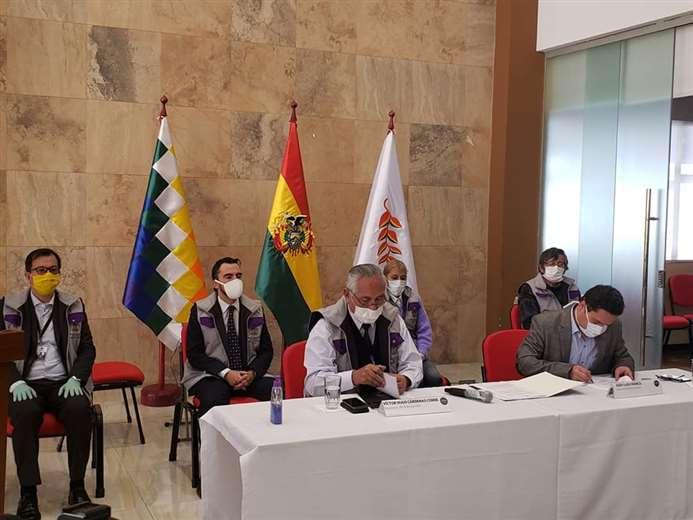Convenio entre Educación y Entel I Augusto Díaz.