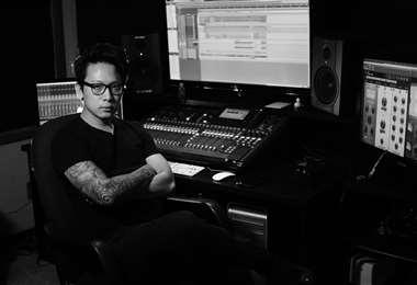 Para esta producción, So Myung Jung se encargó de hacer absolutamente todo. Desde batería, bajo, guitarra, y letras hasta voces, producción, grabación, edición, mezcla y mastering