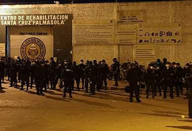 El penal de Palmasola es el más poblado del país con más de 5.000 internos (Foto: JORGE GUTIÉRREZ)