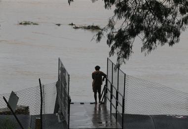 Las aguas comienzan a crecer en la cuenca del Río Piraí. Foto. Fuad Landívar