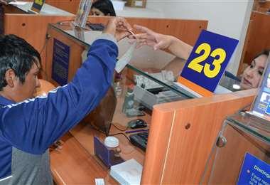Los bancos dejaron de ganar Bs 52 millones/Foto: ABI