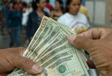 Las remesas bajaron un 13,5% Foto: Internet