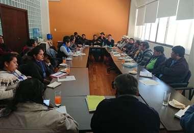 El Consejo Educativo, en reunión antes de la cuarentena.CEPOS