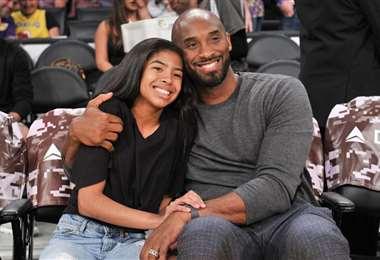 Kobe Bryant y su hija Gianna perdieron la vida en el accidente aéreo. Foto: Internet