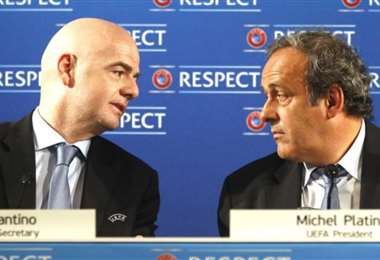 Platini e Infantino son viejo conocidos y ahora están enfrentados. Foto: Internet