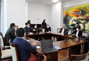 Reunión entre el Gobierno con representantes del clero I Presidencia