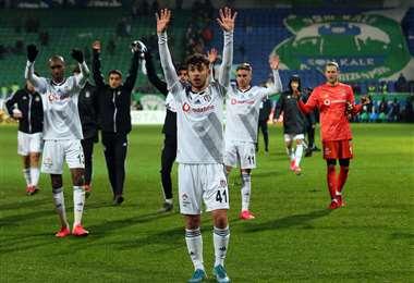 El club Besiktas no hizo público los nombres de las personas infectadas con coronavirus. Foto: Internet
