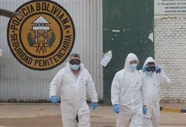 Esta mañana hubo evaluaciones médicas y desinfección en la cárcel de Palmasola (Foto: JORGE IBÁÑEZ)