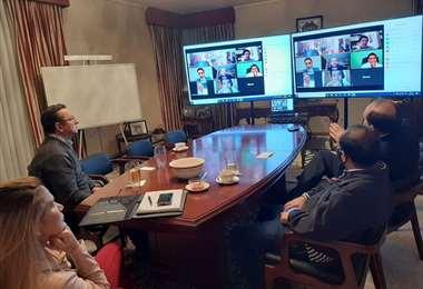 La presidente Áñez informó sobre la reunión