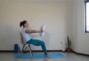 Día 9: Pilates en casa con Karina Correa