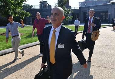 Trump despide a inspector de Departamento de Estado
